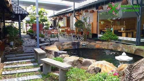 Hồ cá koi quán cafe 3