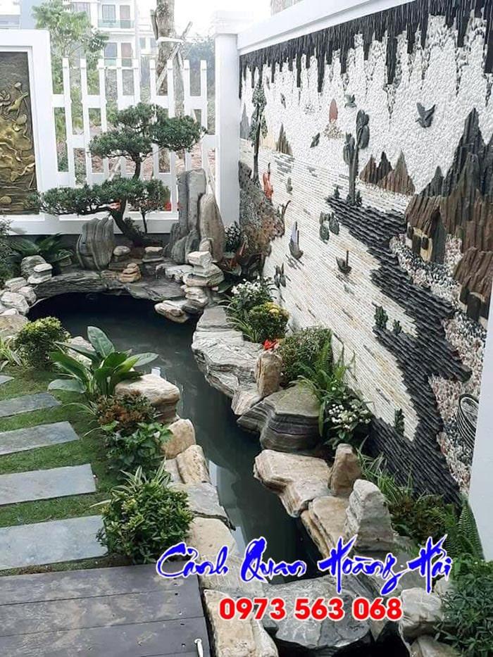 Hồ cá koi sân vườn kết hợp tranh đá