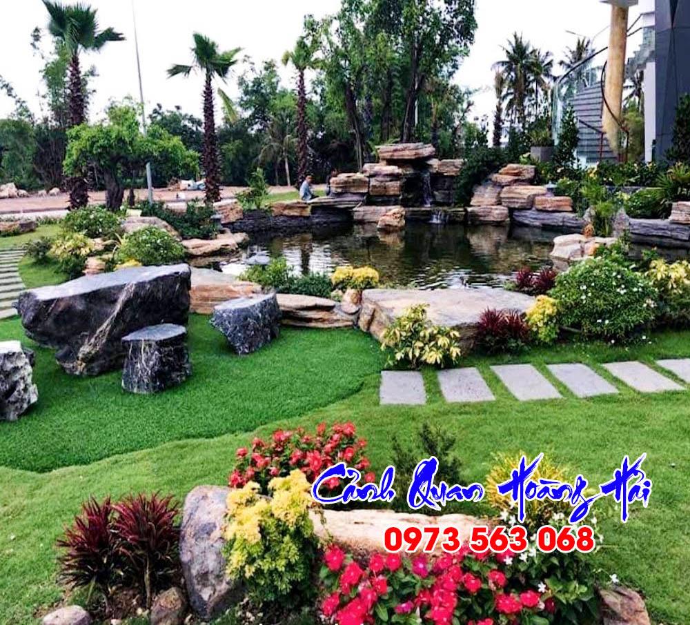 Mẫu hồ cá koi sân vườn cho nhà có không gian rộng