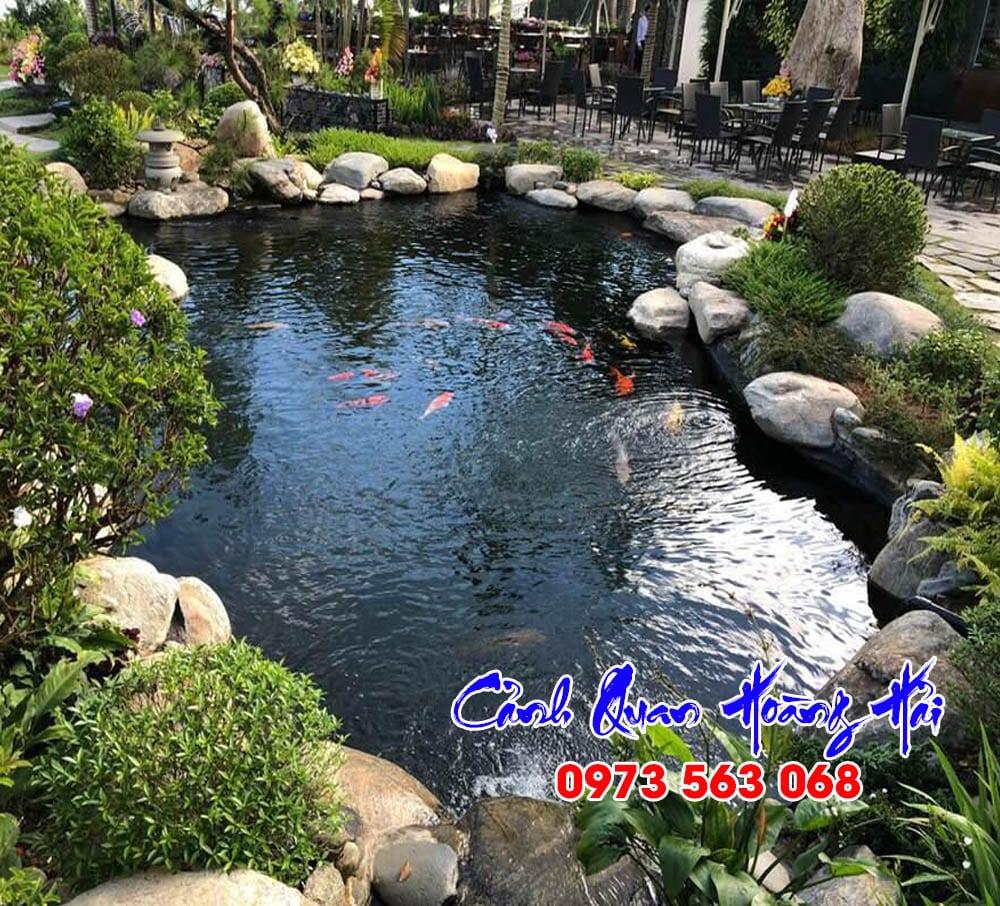 Hồ cá koi quán cà phê sân vườn