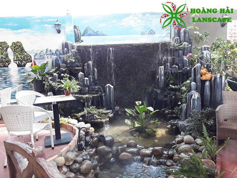 Hòn non bộ quán cafe kết hợp tường thác nước