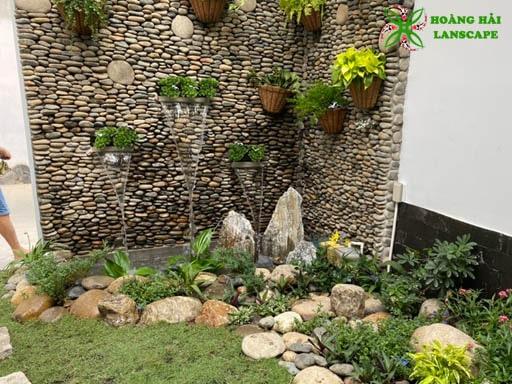 Tường thác nước bằng đá