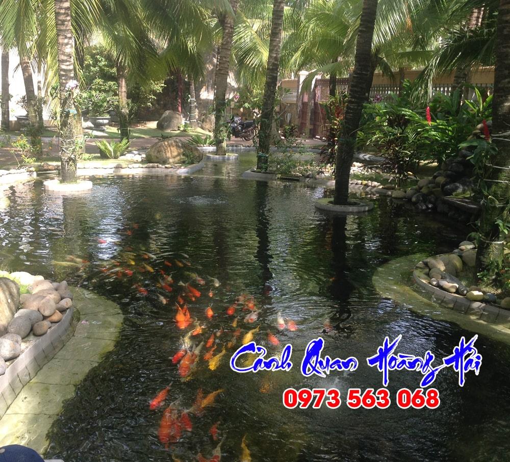 Hồ cá koi khu du lịch sinh thái