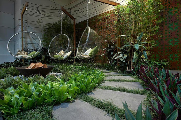 Mẫu thiết kế sân vườn sau nhà 02