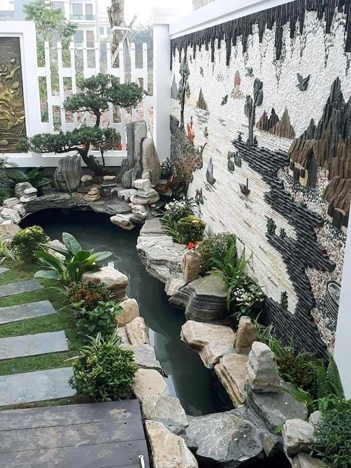 Hồ cá koi mini trong sân vườn - Hình 2