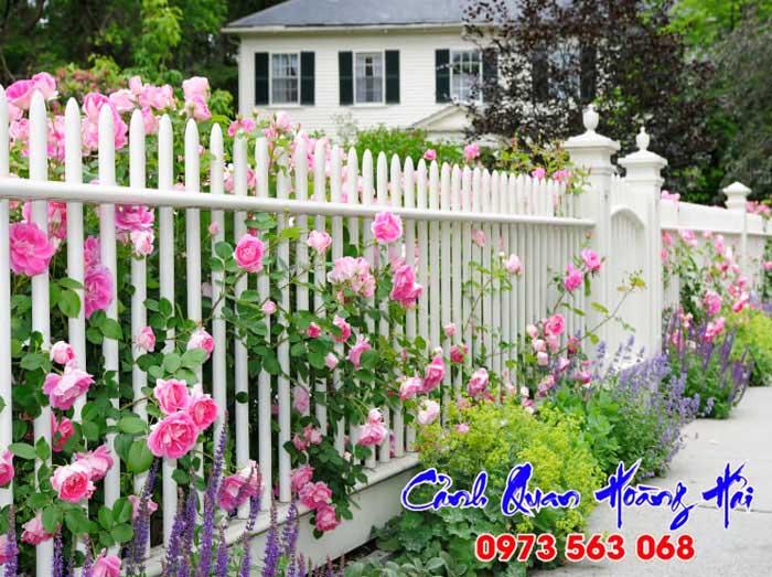 Hàng rào sân vườn hợp phong thủy