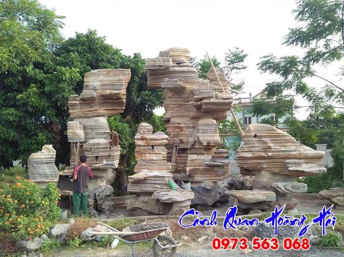Hòn non bộ thác nước làm bằng đá cổ thạch