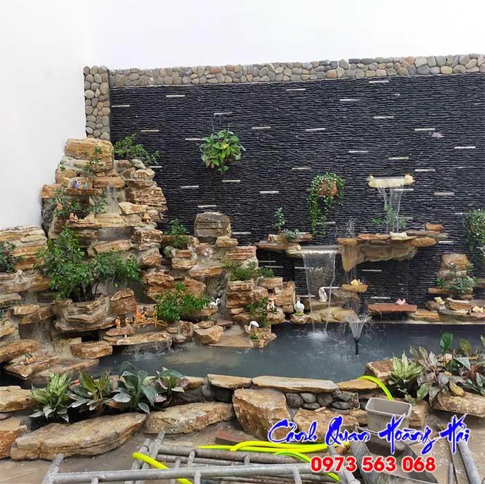 Tiểu cảnh thác nước hồ cá koi quán cafe